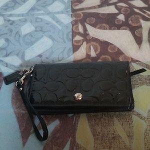 COACH wallet/wristlet. Black.